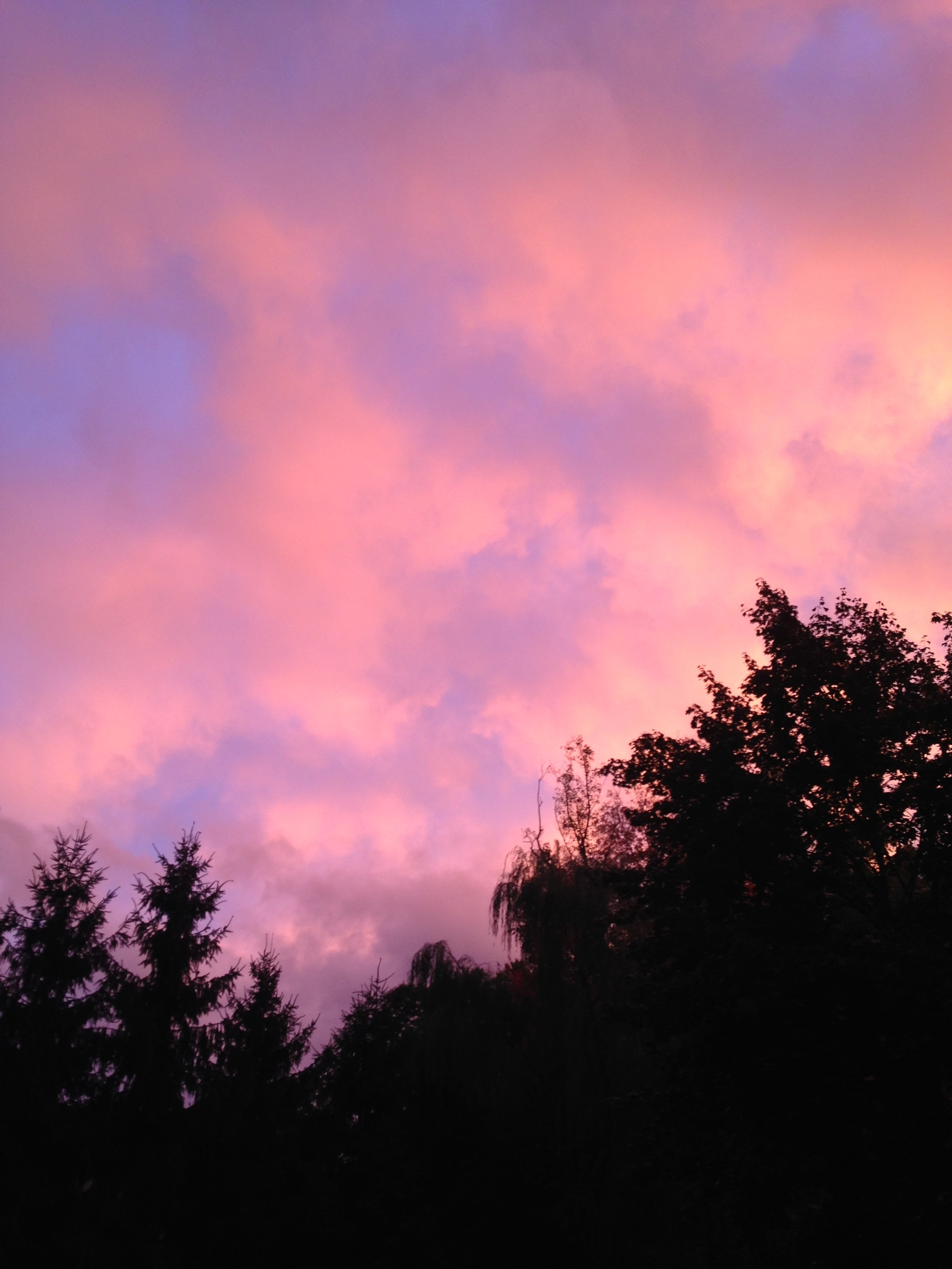 A very colorful October sky after a storm on Oct. 7 PHOTO/Jessica Wrixon